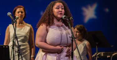 Diana Wortham Theatre Scholarship Program for Young Emerging Artists