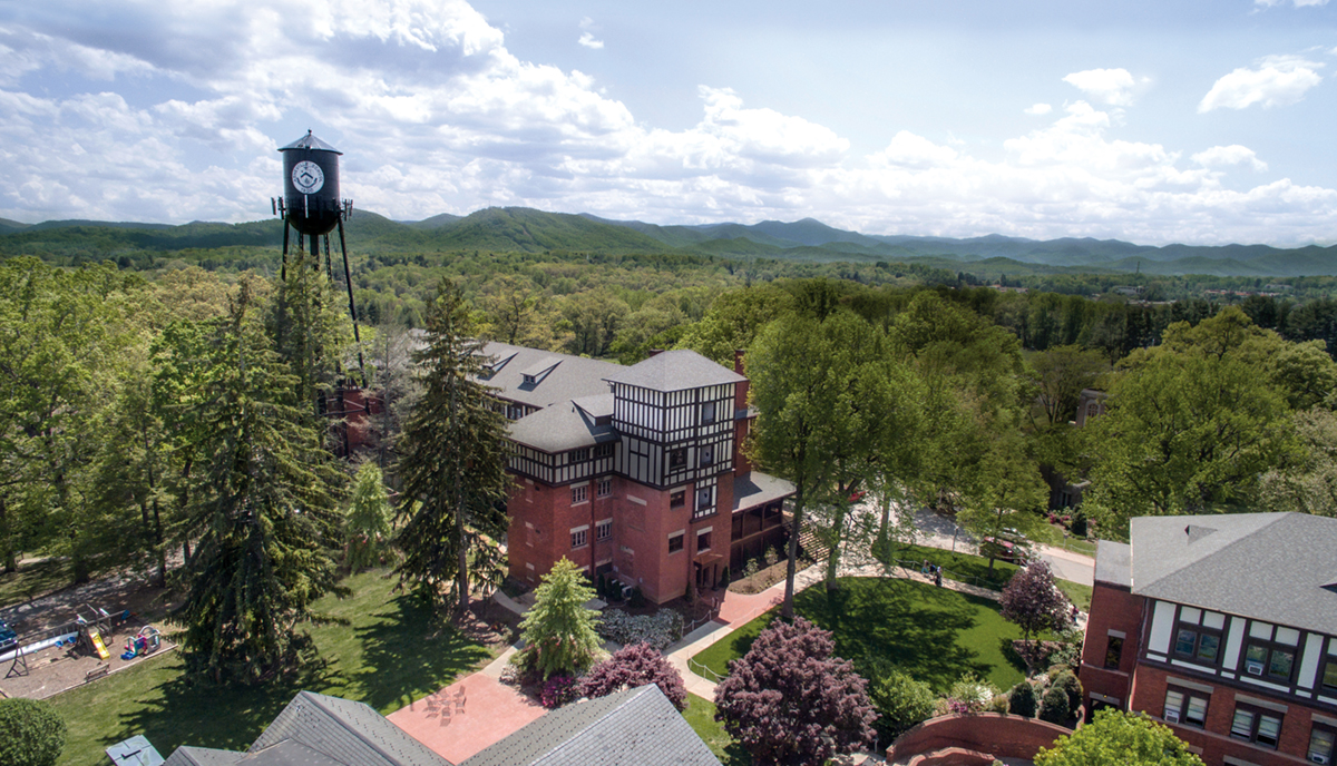 Arts and Sciences Engage Students at Asheville School