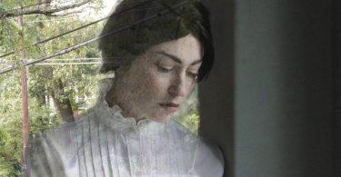 Carin Metzger as Amelia Aldean. Photo by Cheyenne Dancy Photography