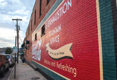 Walking Tours Highlight Art & Architecture of Hendersonville